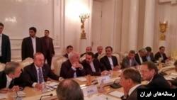 شام کے تنازع پر گزشتہ ہفتے ماسکو میں ہونے والے سہ ملکی اجلاس کا ایک منظر، اجلاس میں روس، ترکی اور ایران کے وزرائے خارجہ شریک تھے