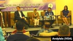 Diskusi 'From Bali Road Map to COP 21' di hotel Le Meridien Jakarta, 27 November 2015 (Foto: VOA/Andylala)
