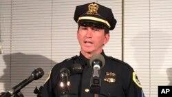 2일 미국 아이오와주 디모인 경찰 본부에서 폴 파리제크 경찰부장이 기자회견을 하고 있다.
