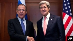美国国务卿克里2月26日在柏林与俄罗斯外长拉夫罗夫会晤