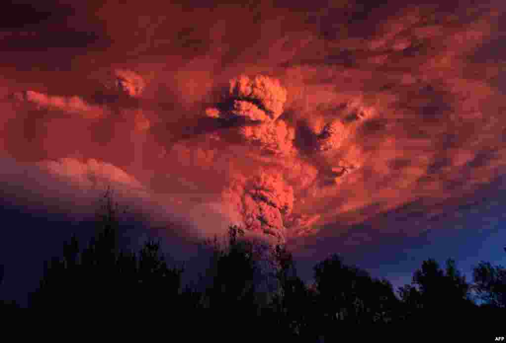 June 5: Plume of ash, estimated six miles high and three miles wide is seen after a volcano erupted in the Puyehue-Cordon Caulle volcanic chain, about 575 miles (920 km) south of the capital, Santiago. (REUTERS/Ivan Alvarado)