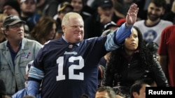 Toronto Mayor Rob Ford watches the CFL eastern final football game between the Toronto Argonauts and the Hamilton Tiger Cats in Toronto, November 17, 2013.