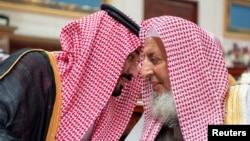 Mohamed Bin Salman oo gacan qaadaya Sheikh Abdulaziz Al al-Sheikh