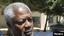 Kofi Annan usai pembicaraan dengan Menlu Yordania Nasser Judeh di Amman (30/5). Annan berada di Amman setelah meninggalkan Damaskus tanpa kemajuan berarti.