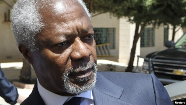 U.N.-Arab League envoy Kofi Annan enters his car after his meeting with Jordan's Foreign Minister Nasser Judeh in Amman, May 30, 2012.