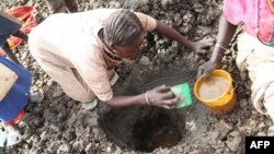سودان جنوبی، زنان در تلاش برای یافتن آب