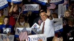 候选人罗姆尼正在战场州作最后冲刺