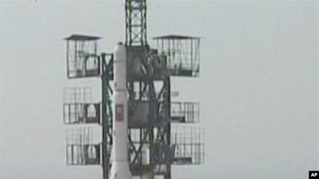 Vụ phóng tên lửa của Bắc Triều Tiên ở Musudan-ri, ngày 7/4/2009. Cả hai vụ phóng không gian của Bắc Triều Tiên trước đây đều thất bại