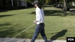 Dallas Wiens sufrió graves quemaduras al tocar un cable de alto voltaje, accidente que sucedió en 2008.