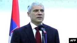 Predsednik Srbije Boris Tadić obraća se novinarima nakon otvaranja konzulata u Herceg Novom