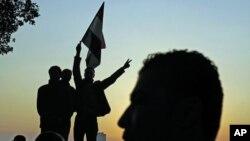 开罗解放广场上埃及人欢庆穆巴拉克下台
