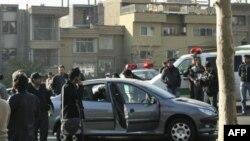 Iranska agencija Fars objavila je snimak za koji se kaže da prikazuje jedan od automobila napadnutih bombama, danas u Teheranu