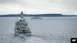 Поиски подводной лодки в территориальных водах Швеции. 19 октября 2014.