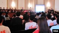 지난해 7월 미 하원 캐논빌딩에서 열린 연석회의에서 미 공화당 하원의원들이 북한 자유를 촉구하는 연설을 하고 있다. (자료사진)