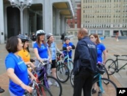 Philadelphia Mayor Michael Nutter chats with participants in National Bike to Work Day.