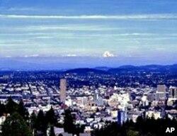 Landmark Oregon Mountain Inn Captures Bygone Era