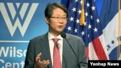 류길재 전 통일부 장관이 19일 미국 워싱턴 DC 우드로윌슨센터에서 강연을 하고 있다.