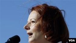 PM Julia Gillard memenangkan kepemimpinan partai Buruh Australia atas saingannya, mantan PM Kevin Rudd (27/2).