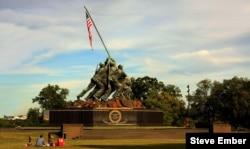 Marine Corps Iwo Jima Memorial statue by sculptor Felix de Weldon, inspired by a famous World War Two photograph by Joe Rosenthal