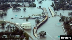 Затопленные магистрали в Новом Орлеане