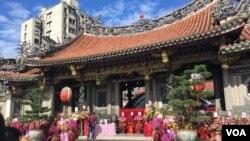 龙山寺2019年11月27日庆祝建寺280周年,图为内景之一