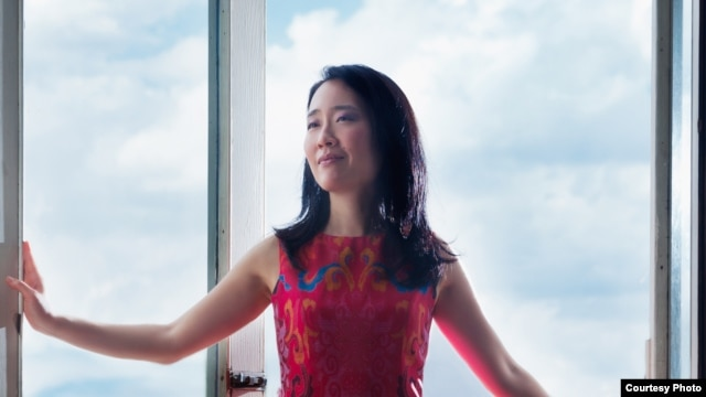 Pianist and composer Helen Sung (courtesy photo by Kat Villacorta).