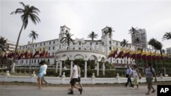 Suasana di depan Hotel El Caribe di Cartagena, Kolombia (Foto: dok). Hingga hari ini, sejumlah sembilan orang pengawal presiden telah kehilangan pekerjaannya karena terlibat skandal PSK di lokasi ini.