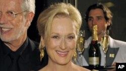 Celebrando a vitória. Meryl Streep, melhor actriz do ano.