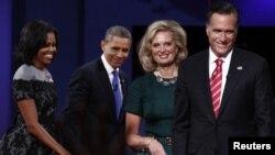 Hai ứng cử viên tổng thống Mỹ và phu nhân sau cuộc tranh luận lần cuối tại Boca Raton, Florida, ngày 22/10/2012