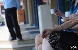 COPD mengancam tak hanya perokok aktif, tapi juga mereka yang berada di sekitar mereka.