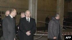Predsednik Belorusije Aleksandar Lukašenko obećava da će pronaći odgovorne.