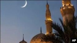 سعودی عرب میں شوال کا چاند نظر آگیا ، منگل کو عید ہوگی