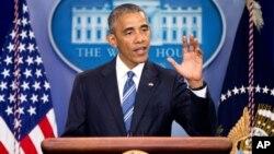 바락 오바마 미국 대통령이 23일 이민개혁 행정명령에 제동을 건 대법원의 결정에 대해 백악관에서 기자회견을 하고 있다.