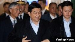 창완취안 중국 국방부장이 3일 한국 인천국제공항을 통해 입국하고 있다.