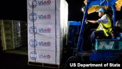 USAID airlifted 47 metric tons of relief supplies to the Bahamas on September 4 to be distributed to communities in need. (Daniel Durazo/U.S. Embassy Nassau)
