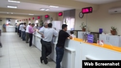 Türkiye'de olağanüstü hal (OHAL) koşulları altında çalışma hayatında yaşanan gelişmeleri derleyen DİSK'e bağlı Genel-İş Sendikası, kamu istihdamında 60 bin 611 kişilik azalma olduğunu belirterek, sözleşmeli ve taşeron personel artışına dikkat çekti