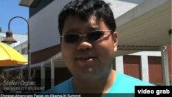Sinh viên Stefan Ogbac, có mẹ người Hoa cha người Philippines, nói công nhân người Hoa chưa được hành xử đầy đủ quyền của mình