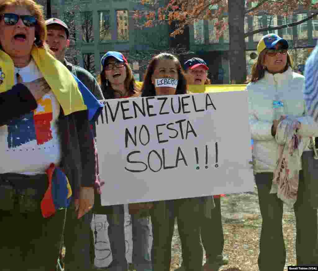 Venezolanos protestan en las calles de Washington