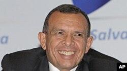 Honduras President Porfirio Lobo Sosa (file photo)