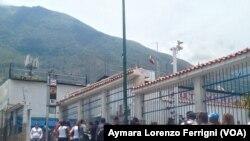 Venezuela: Persiste escasez y colas después de un año