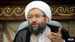 İran Məhkəmə Sisteminin rəhbəri ayətullah Sadıq Laricani