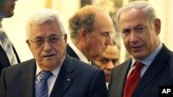 巴勒斯坦民族权力机构主席阿巴斯(左)和以色列总理内塔尼亚胡(右)2010年9月15日在耶路撒冷