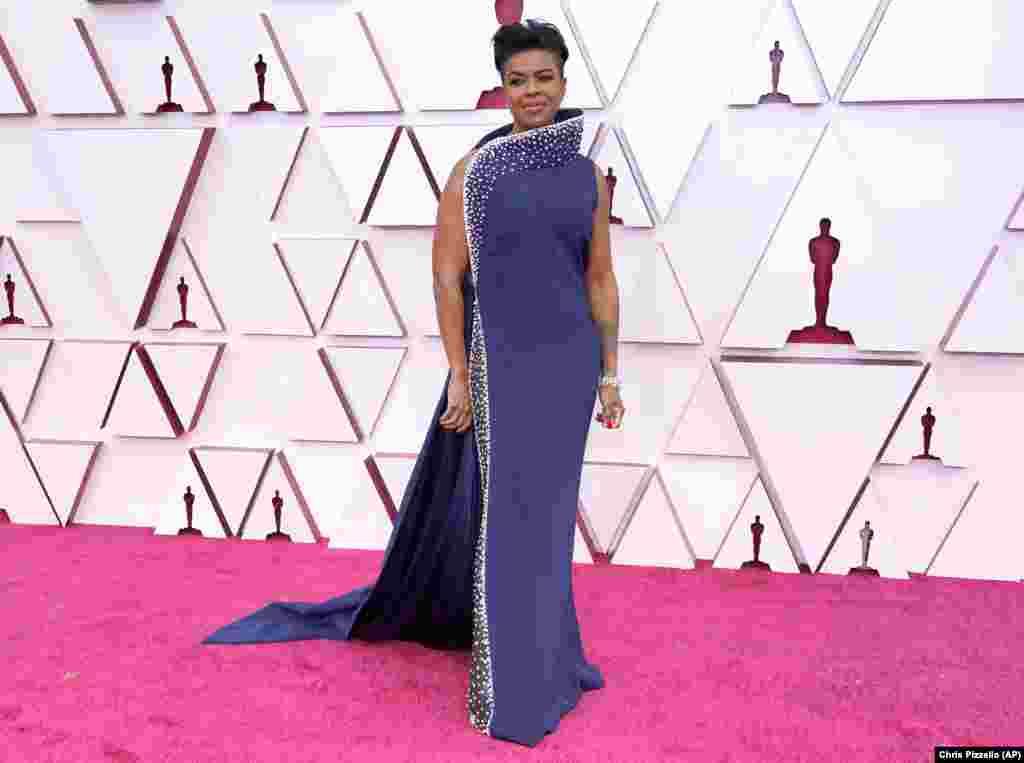 """Mia Neal - ganhou o Oscar de 2021 para Melhor Make up e Cabeleireiro pelo filme """"Ma Raney's Black Bottom"""""""