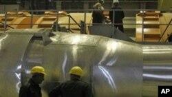 부셰르 핵발전소에서 일하는 이란 기술자들
