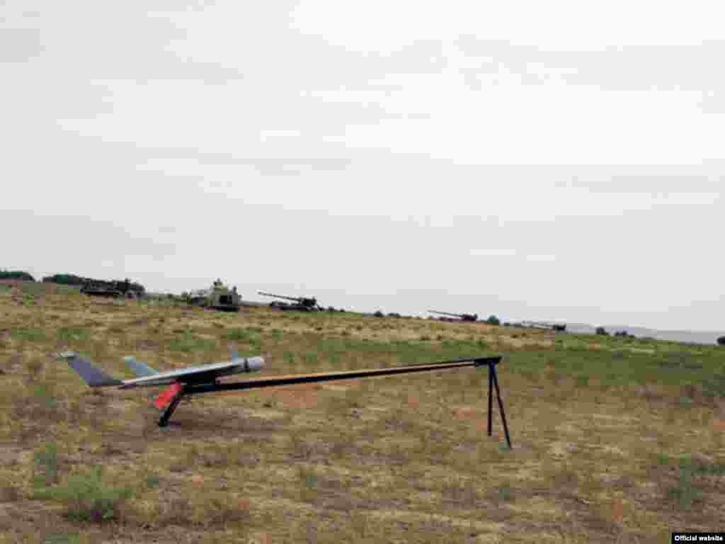 Raket və Artilleriya Qoşunlarının döyüş atışlı təlimləri keçirilib