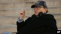 ہالی وڈ کے معروف فلم ڈائریکٹر سڈنی لومٹ انتقال کرگئے