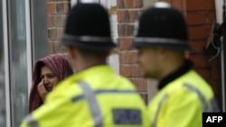 Британская полиция, Дэвид Камерон и Уильям Браттон: как бороться с беспорядками?