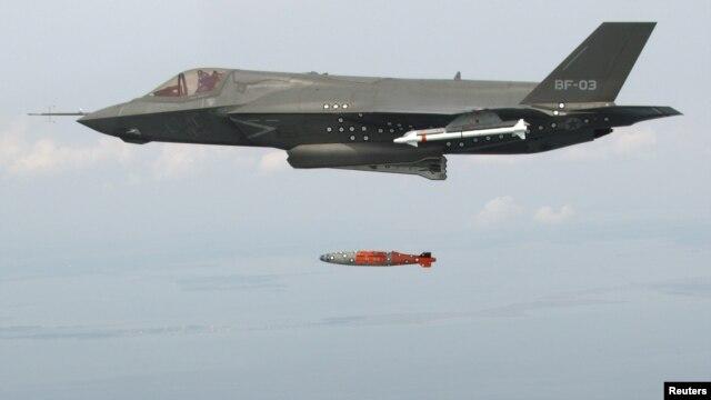 BF-3, salah satu jenis pesawat tempur F-35, saat uji coba di Sungai Patuxent, Maryland, awal 2012. (Reuters/Andy Wolfe/Lockheed Martin)