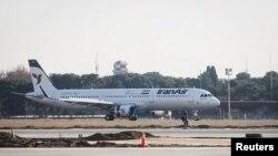 پس از توافق هسته ای، شماری از طیاره های خریداری شده ایربس به ایران تحویل داده شد