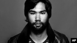 Pete Pin is a Cambodian-American documentary photographer based in New York.